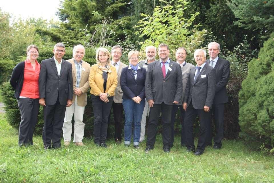 The proud founding team of the new EUROPEA Deutschland in company of EUROPEA General Secretary Henrik Dethlefsen.