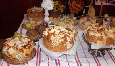 Competition in decorating Slava cake