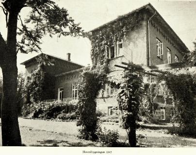 Main building horticultural school 'Vilvorde' in 1945